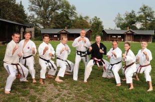 """Klub karate """"TĘCZA"""" drużyną roku powiatu gostyńskiego"""